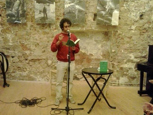 Martí Sales, presentando su obra