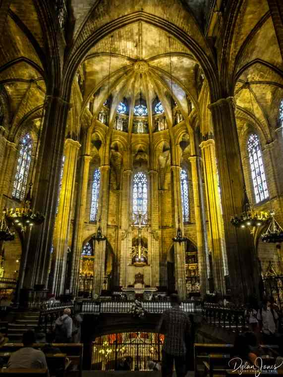 The stunning interior of Barcelona Cathedral