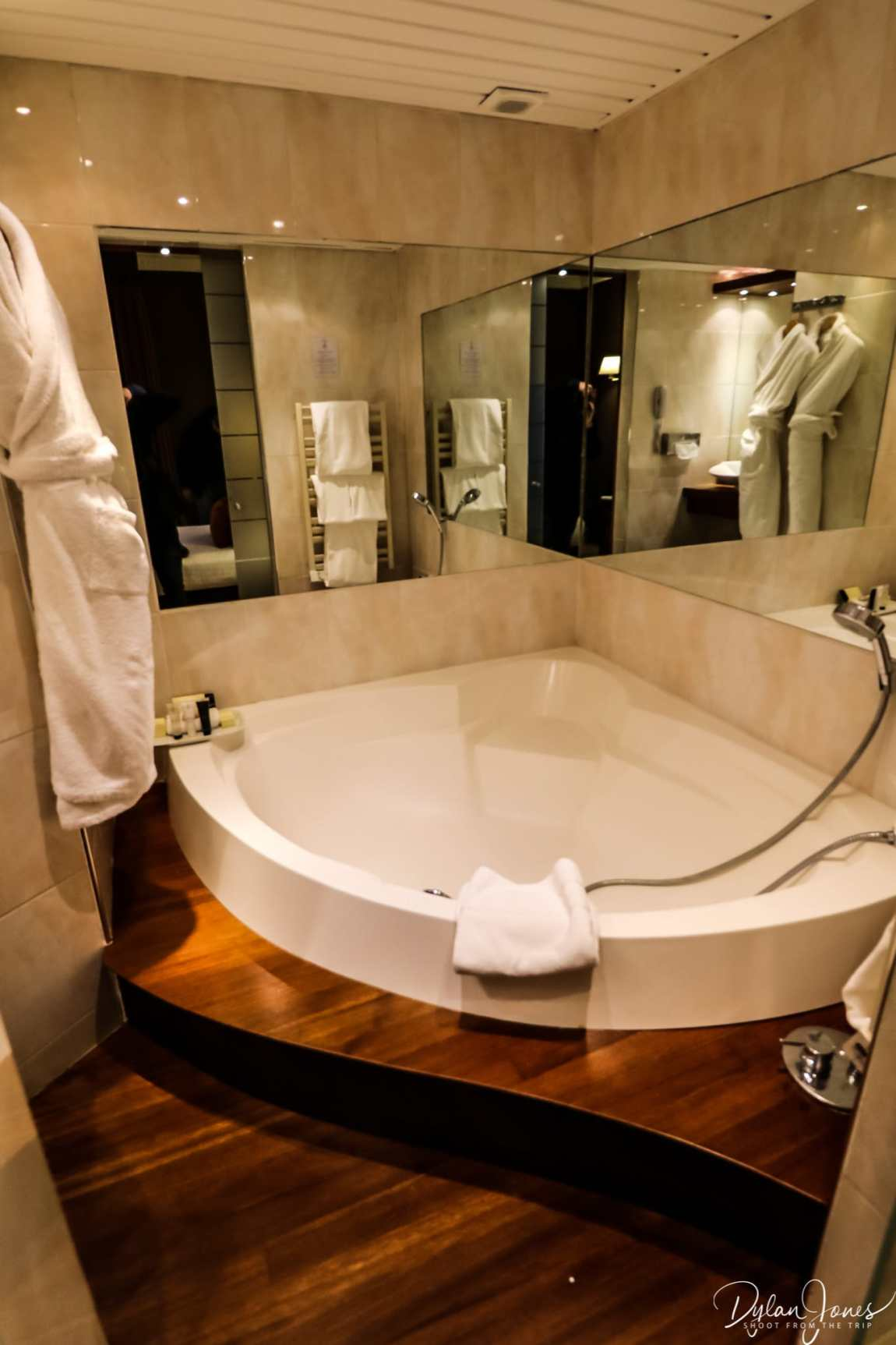 Bathroom at the Hotel Carlton Lille