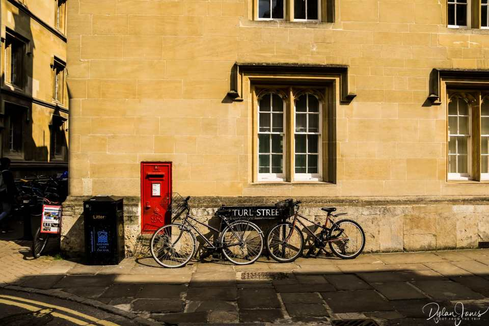 Turl Street postbox and bicycles