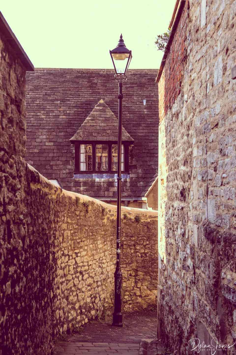 Exploring the alleyways during a weekend in Oxford