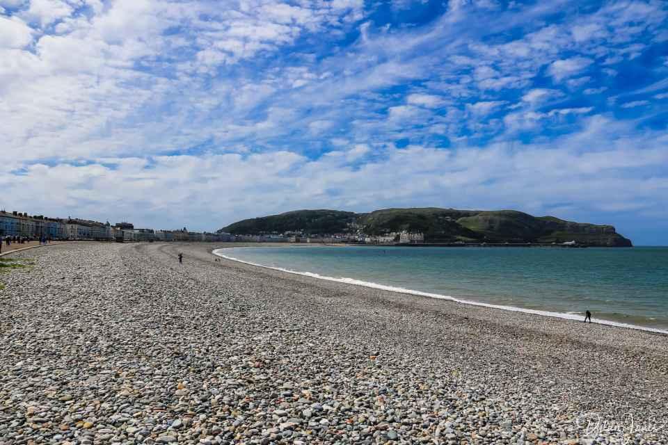 The pebble beach of North Shore Beach
