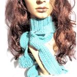 pom pom scarf 1