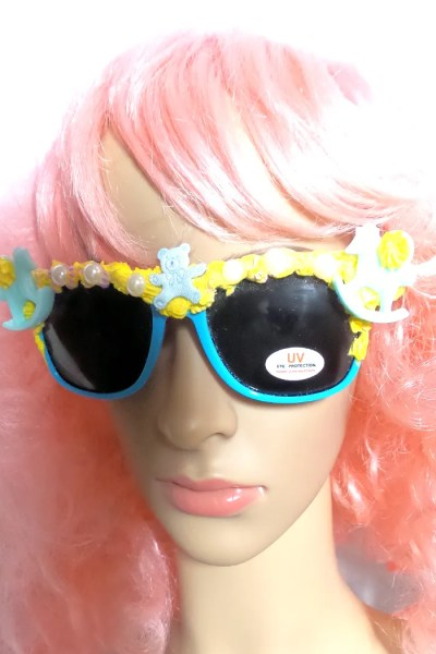 rocking horse sunnies on face