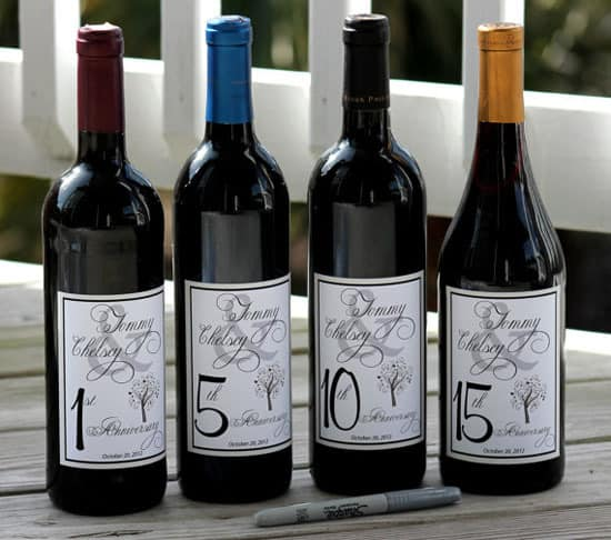 10 Creative Wedding Guest Book Ideas: Signing bottles of wine