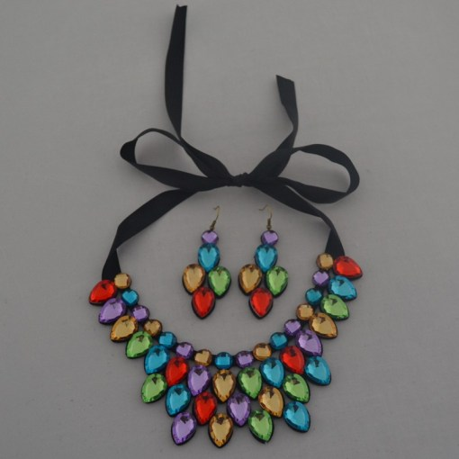 Clothing necklace & earrings