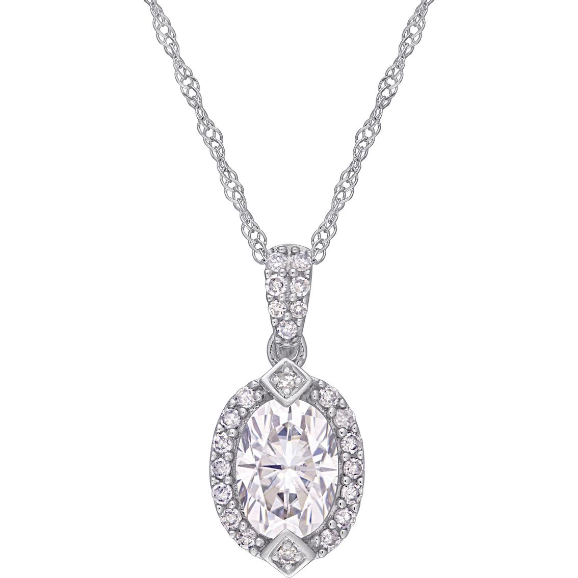 Bella Terra 10k White Gold 1 8 Ctw Diamond Halo Pendant