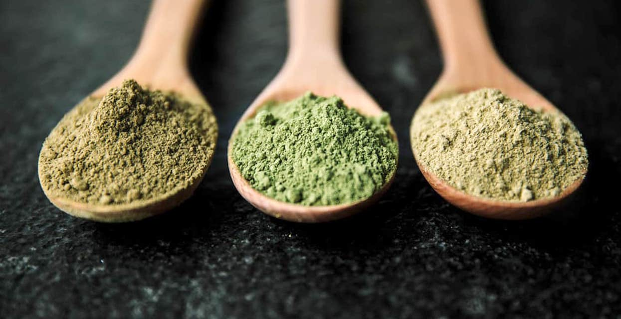 Natural Life: Kratom Powder (Red Strains) – Natural Life Superstore