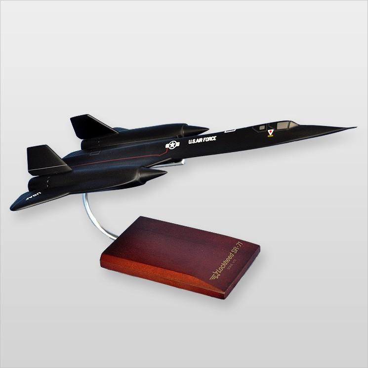 Lockheed SR-71A Blackbird Model Scale:1/72