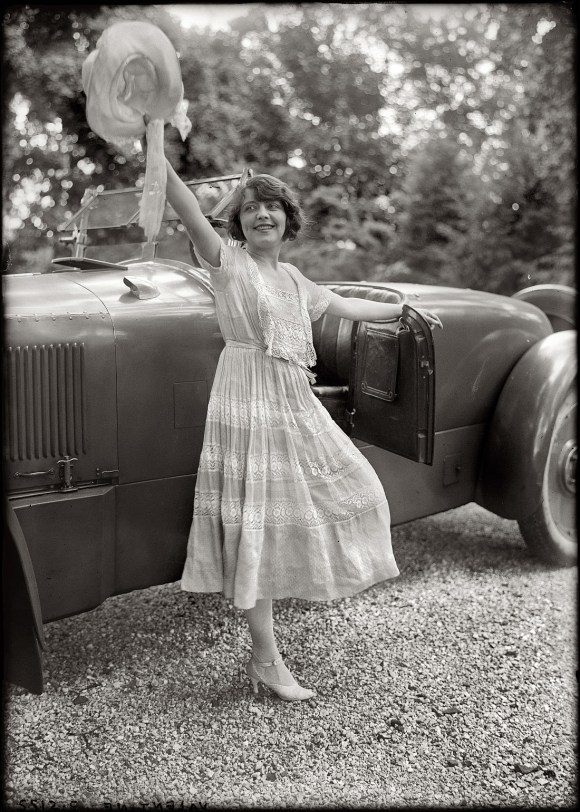 Shorpy Historic Picture Archive :: Hats Off: 1920 high ...
