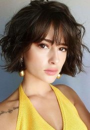 cute short haircuts with bangs