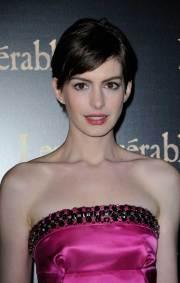 celebrity short haircuts women