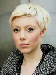 blonde hairstyles short