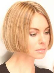 short straight hair women