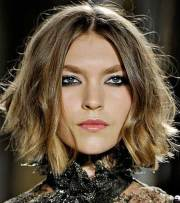 trendy short haircuts women