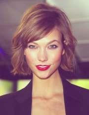 good short haircuts wavy hair