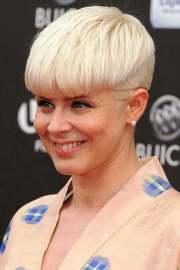 short blonde haircuts women