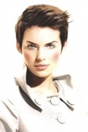 short pixie cuts women