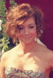 short and wavy hairstyles