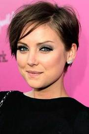 pixie cut thin hair short