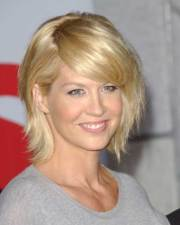 modern short haircuts women