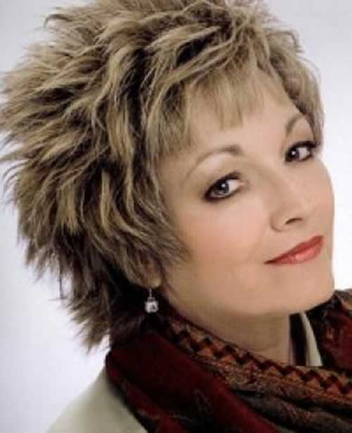 Best Shaggy Hairstyle for Women Over 50