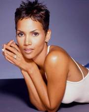 halle berry pixie cuts short