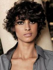 short hairstyles curly frizzy