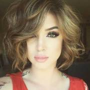 chic curly short hairstyles