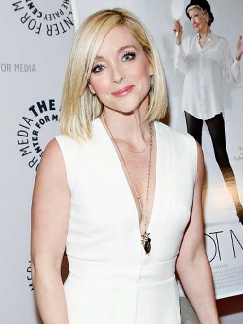 Jane Krakowski Short Bob with Bangs