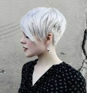 trendy asymmetrical pixie