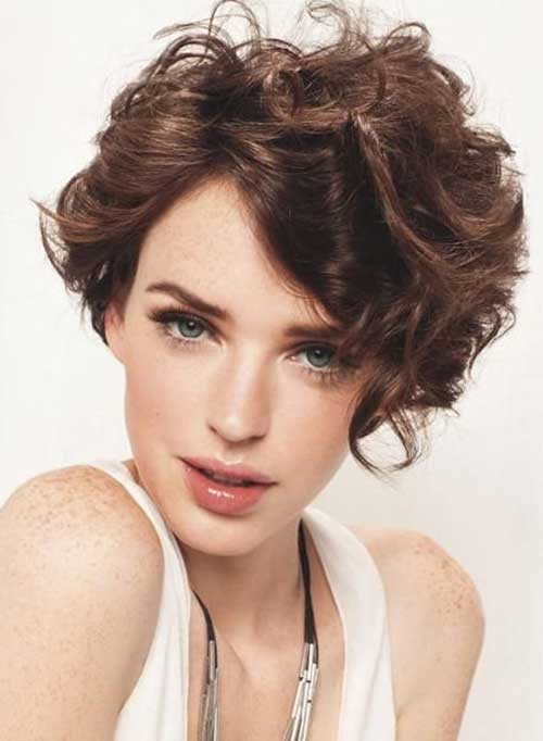 Latest Short Curly Hairstyles For Oval Faces