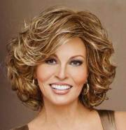popular short curly hairstyles