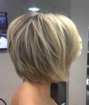 popular short stacked haircuts