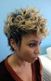 cute short haircuts curly