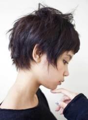 famous short layered haircuts