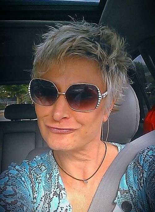 Easy And Stylish Short Haircuts For Older Ladies