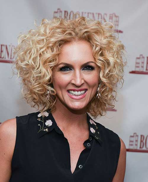 Kimberly Schlapman Curly Short Hairstyle