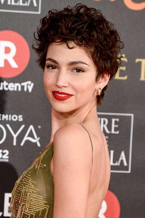Ursula Corbero Short Hair