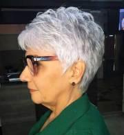 2019 short haircuts older women
