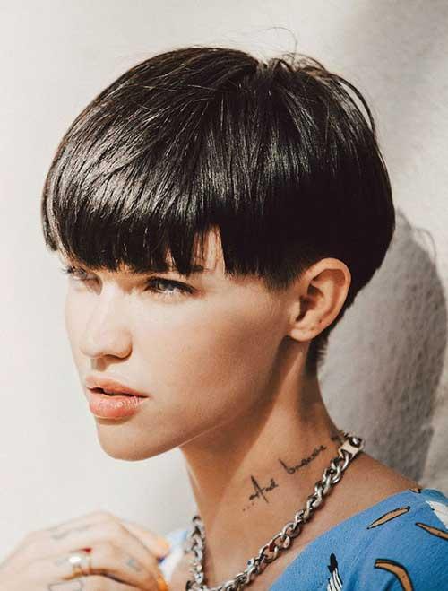 2. Ruby Rose Wedge Haircut