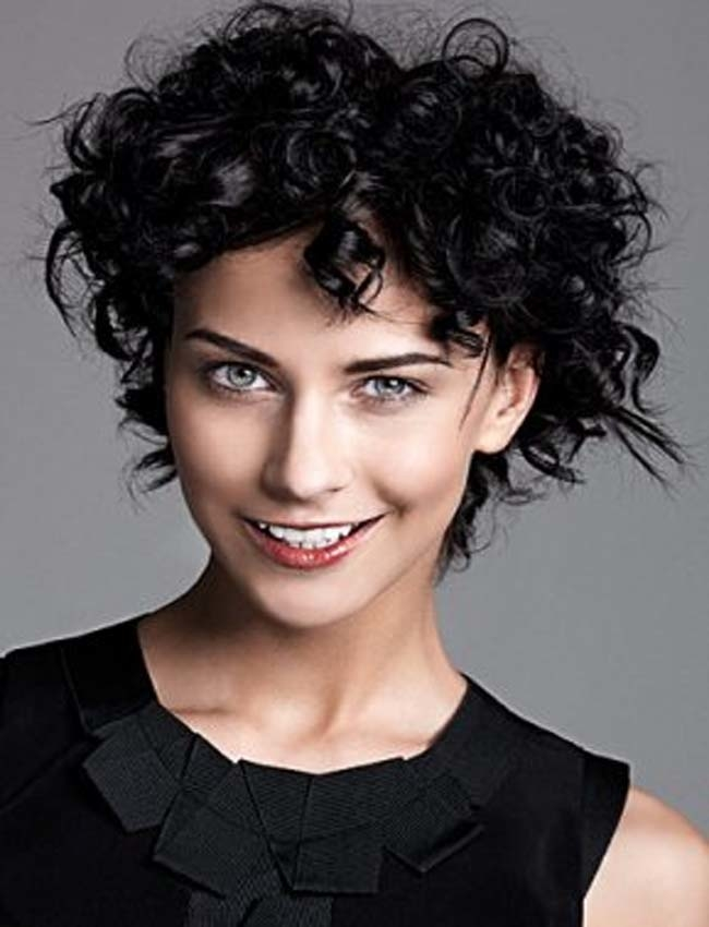 Short Curly Hairstyles For Curly Hair 2017 - Short and Curly Haircuts