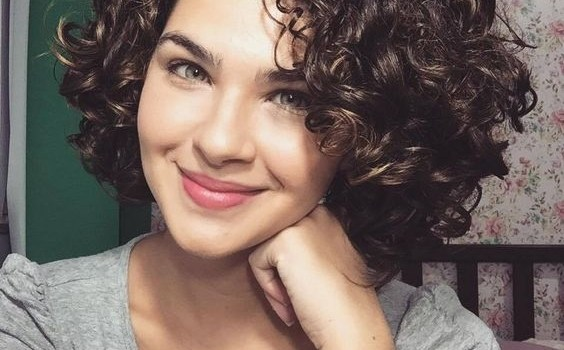 short-curly-hairstyles-for-women-2