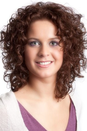 Curly Short Hairstyles for Oval Faces