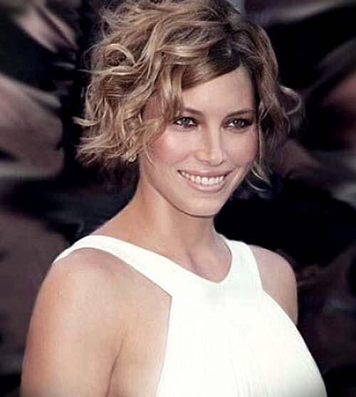 curly-short-hairstyles-oval-faces-3