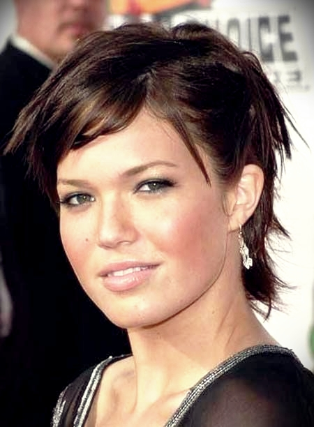 curly-short-hairstyles-round-faces10