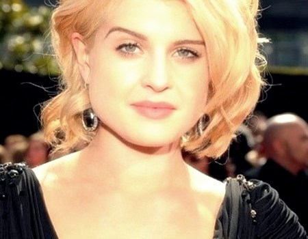 25 Trend Curly Short Hairstyles for Round Faces - curly short hairstyles round faces8