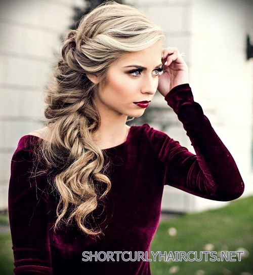 curly-short-hairstyles-square-faces-9