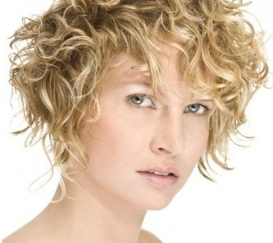 Best Haircuts for Curly Hair - best haircuts for curly hair for women 15
