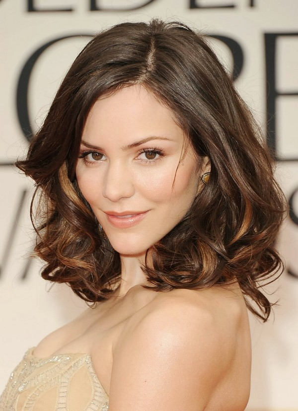 Short Hairstyle For Wavy Hair.